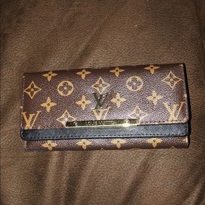 Faux Louis Vuitton wallet